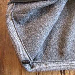 裾の部分にはドローコードも付いてますよ。