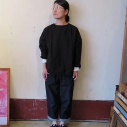 モデル:ひさしぶり(!)のキミコさん 158cm/着用サイズ:1 (Blk着用)