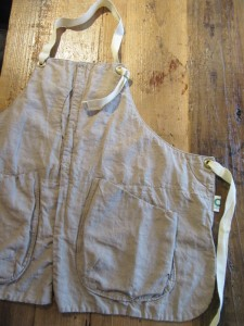 GRIZZLY apron (LINEN)