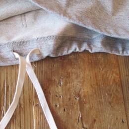 裾の部分にはドローコードが付いてますよ。