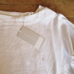 ほかにもシャツが届いてますよ!。