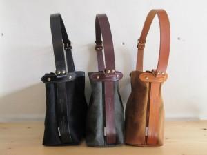 (ひだりから)black (black leather), b.green (dk.brown leather), brown (camel leather) になります。