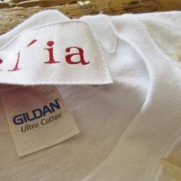 じつは(・・ここだけの話!?)「GILDAN」のボディが使われています。