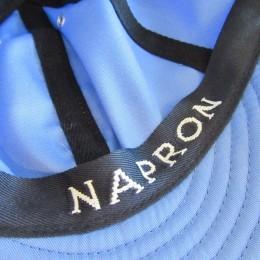 中のテープには「NAPRON」のロゴが入ってますよ。