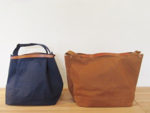 CROP (ひだりから:navy (camel leather), brick (camel leather) になります。)