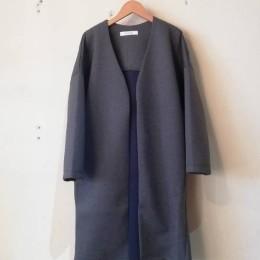 ノーカラーロングジャケット (charcoal x navy)