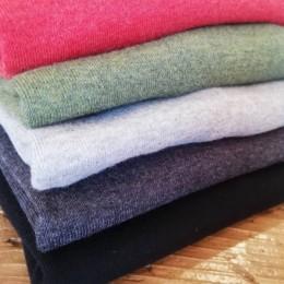 (うえから)top rouge, top forest green, top gray, top charcoal, black になります。