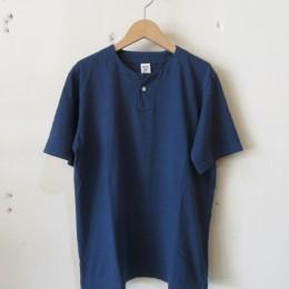 Henleyneck T-Shirt (Nasukon)