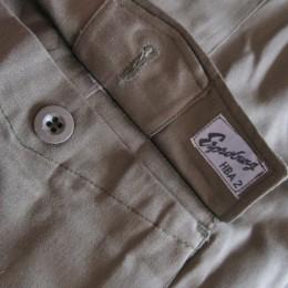 マチの付いた「フラップポケット」も付いてますよ。