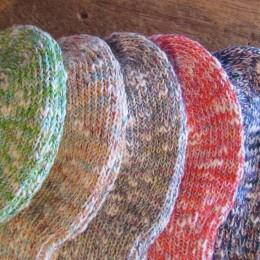 (ひだりから)Green,Apricot,Gray,Red,Purple になります。