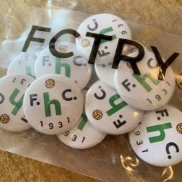 おまけの缶バッジは「FCTRY」さんのお二人に作って頂きました!。(萩原さん、田中さん、ありがとうございました!。)
