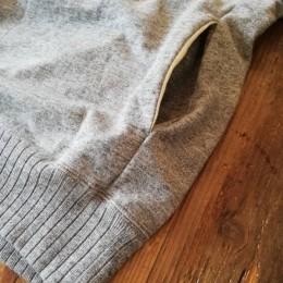 サイドには(寒がりさんにはありがたい!)シームポケットが付いてますよ。