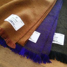 (ひだりから)camel x brown, brown x purple, green x black になります。