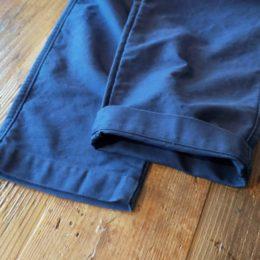 裾にかけてテーパードがかっててきれいなラインに仕上がってますよ。
